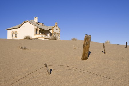 kolmanskop: House in the ghost town of Kolmanskoppe, Luderitz, Namibia