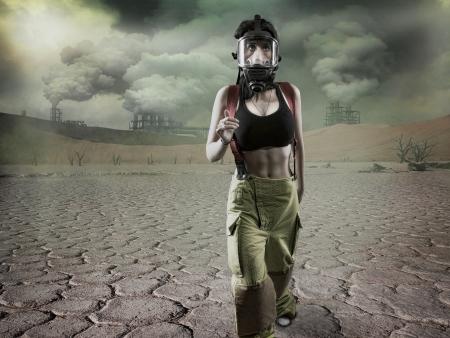 mascara de gas: Publica escena Apocolyptic - grano añadido Foto de archivo