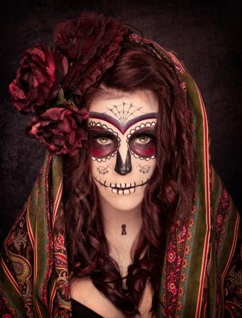 trajes mexicanos: Cr�neo del az�car Foto de archivo