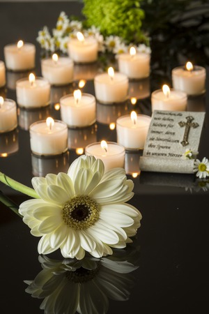 カード葬儀黒い backround メモリアル キャンドル ライト