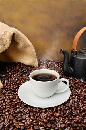 coffee cups: Old fashioned coffee brewing