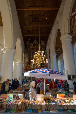 leeuwarden: Book sale in the Jacobin church in Leeuwarden