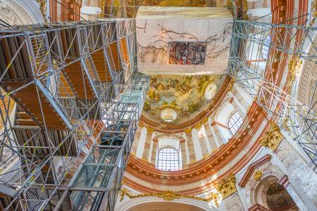 restauration: Renovation of a church in Vienna Editorial