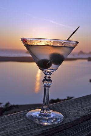 copa martini: Sunset Scene With Martini Glass