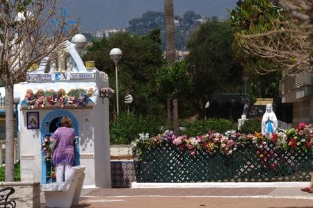unofficial: Fuengirola (Malaga) Apain 16th May 2011.- Populñar (and unofficial) altar 02