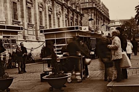 Seville, Spain.- 6th December 2012.- Urban life: roast nut seller 2