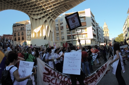 popularly: Seville (Spain) 1st June 2013: Demonstration at the place popularly known as the mushroom 15