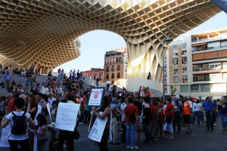 popularly: Seville (Spain) 1st June 2013: Demonstration at the place popularly known as the mushroom 11