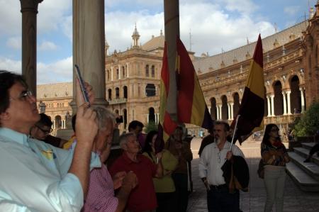 republican: Sevilla Espa�a 12 de octubre 2013 Republicano concentrtion 16