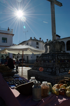 huelva: Fuenteheridos  Huelva  Spain - 30-11-2013 Open air market 27