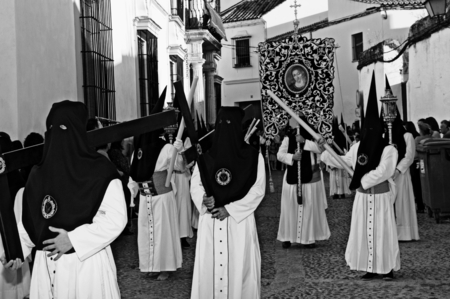 fraternidad: Carmona Sevilla Espa�a 13 de abril 2014 Procesi�n de la Semana Santa 66 San Felipe hermandad Editorial