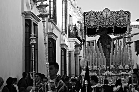 fraternidad: Carmona Sevilla Espa�a 13 de abril 2014 Procesi�n de la Semana Santa 64 San Felipe hermandad