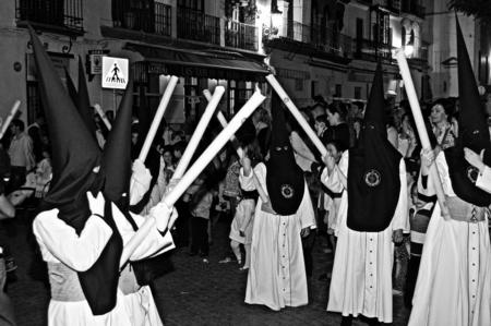 fraternidad: Carmona Sevilla Espa�a 13 de abril 2014 Procesi�n de la Semana Santa 56 San Felipe hermandad