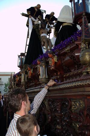 fraternidad: Carmona Sevilla Espa�a, 16 de abril 2014 celebbrations Semana Santa San Francisco procesi�n hermandad 22 Editorial