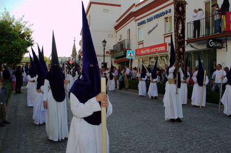 fraternidad: Carmona Sevilla Espa�a, 16 de abril 2014 celebbrations Semana Santa San Francisco hermandad procesi�n 19