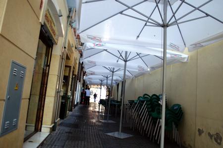 urban life: Malaga Espa�a 12 de mayo 2015 La vida urbana. calle con matices