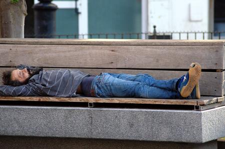 urban life: Sevilla Espa�a 20 de junio 2015 La vida urbana dormir sin hogar