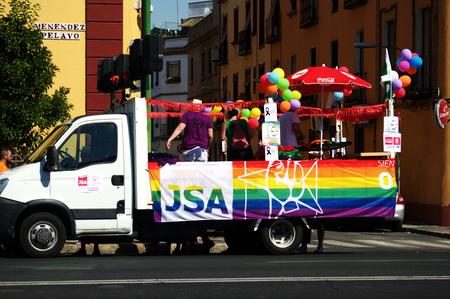 homosexuals: 2Seville - España - 27-6-2015 manifestación del Orgullo Gay y desfile