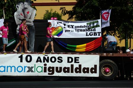 homosexuals: Sevilla, España 27-6-2015 - manifestación del Orgullo Gay y desfile