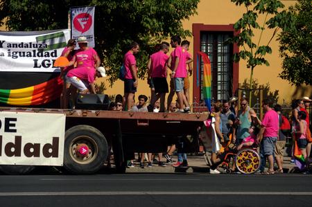 homosexuales: Sevill Espa�a 27-06-2015 - Demostraci�n del Orgullo Gay y desfile Editorial