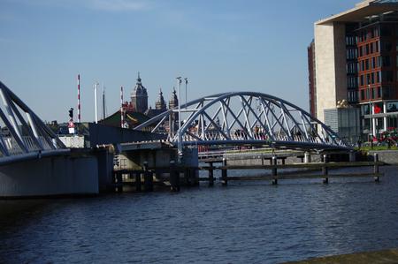 moderne br�cke: Modern bridge in Amsterdam