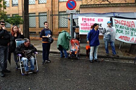 striker: Sevilla, Spain, 17th October, 2015 Demonstration in behalfof a hunger striker