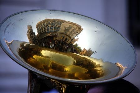 trombon: Relection en un tromb�n Foto de archivo