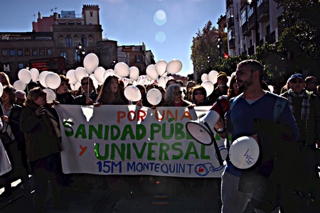 salud publica: Seville, 15th January 2017. Political demonstration in behalf of public health services Editorial