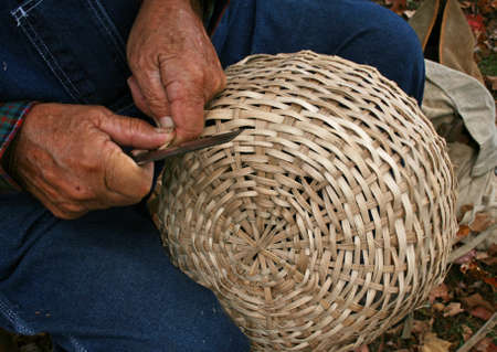 crafting: Man elaboraci�n cesta de mimbre