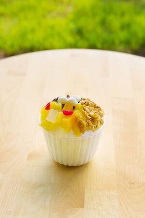 BingSu. adzuki-bean ice dessert. It's adzuki-bean paste, milk, ice cream, sticky rice cake, fruit cocktail, and stuff like that on shaved ice. It's sweet and very refreshing. 免版税图像