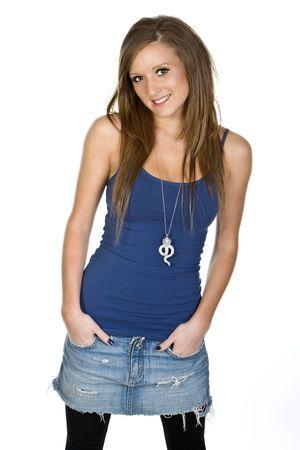 Cute Adolescent dans Vest et jupes en denim
