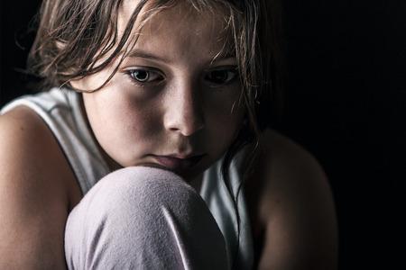 Krachtige Shot van Droevig Kind Stockfoto