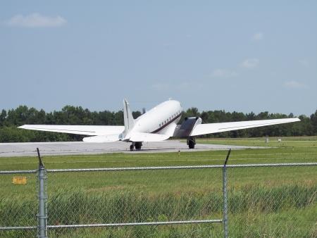 douglas: Douglas DC-3 turbine conversion