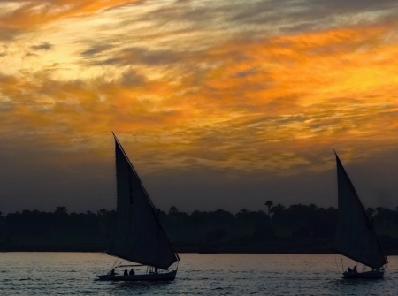 Sunset in Luxox on the Nile river