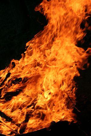 A bonfire raging up, Imagens