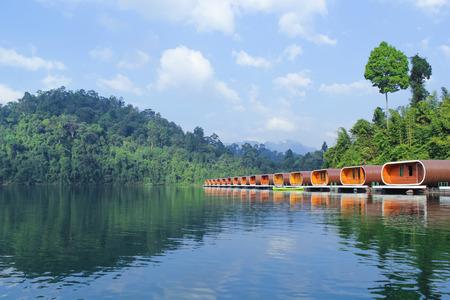 thani: Raft House in Ratchaprapha Dam, Surat Thani , Thailand