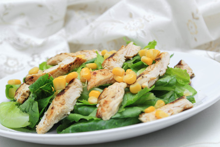 cos: Cos lettuce salad with corn and chicken