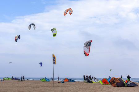 kitesurf: CASTELLDEFELS,SPAIN-MARCH 22,2014: Kitesurf in mediterranean beach of Castelldefels, province Barcelona,Catalonia.