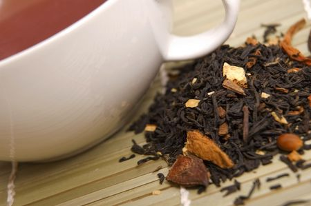 intense flavor: tea and dried tea leaves