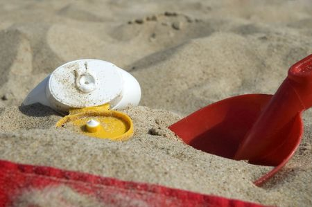 beachbag: beach items and sun block. summerscenic. childhood Stock Photo