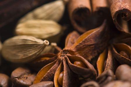 aroma coffe. ingredients. coffe beens, anise, vanilla, cardamon, cinnamon, photo