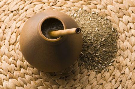 yerba mate: porongo argentino con yerba mate
