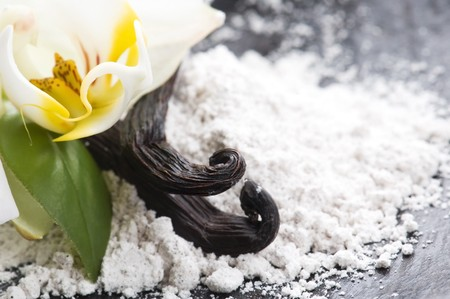 vanilla: vanilla beans with aromatic sugar and flower