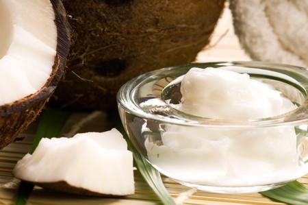 coconut oil: Cocco e olio di cocco