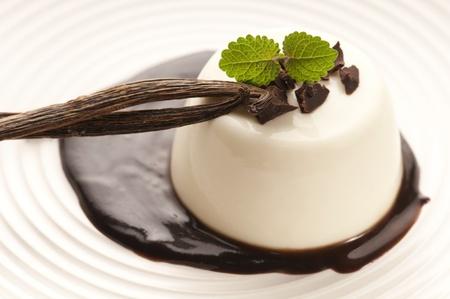 cotta: Panna Cotta with chocolate and vanilla beans
