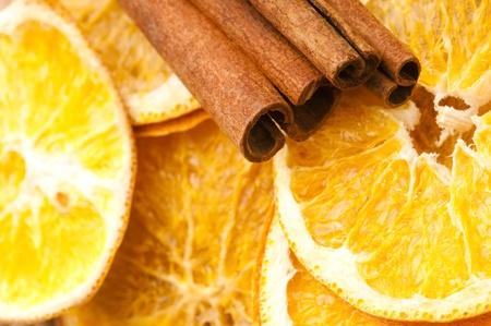 Getrocknete orange und Zimt-Sticks - Weihnachtsdekoration Lizenzfreie Bilder