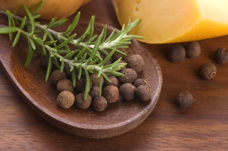 allspice: allspice with fresh rosemary, cheese and onion