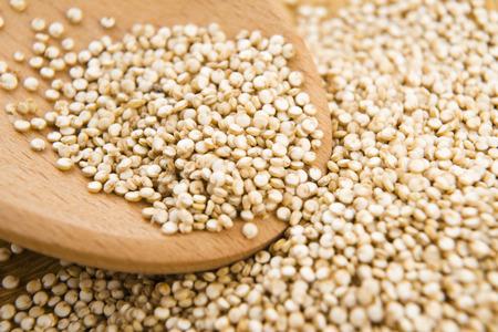 Quinoa Getreide Standard-Bild - 26034665
