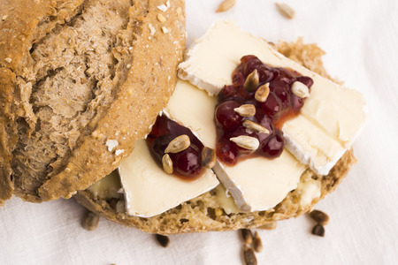matures: bread served with camembert and cranberry