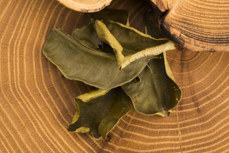 kafir lime: Cassia leaves